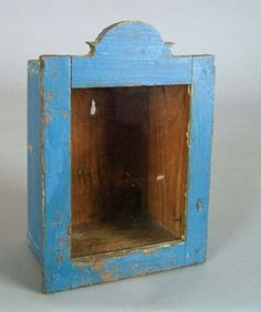shadow box, c., retaining a blue surface Primitive Furniture, Antique Furniture, Painted Furniture, Box Shelves, Old Cabinets, Old Mother, Antique Paint, Casket, Rustic Interiors