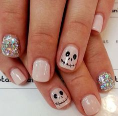 Are you looking for easy Halloween nail art designs for October for Halloween party? See our collection full of easy Halloween nail art designs ideas and get inspired! Get Nails, Fancy Nails, Love Nails, Pretty Nails, Hair And Nails, Pink Nails, Sparkle Nails, Yellow Nails, Nail Art Halloween