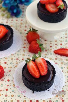 Oreo + Nutella = Felicidade ... delicie-se com porções individuais de muito sabor! Essas mini tortinhas nem precisam ir ao forno, não é o máximo?!