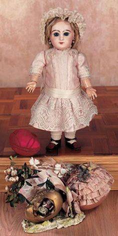 Puppen & Spielzeug Museum: 59 Pretty French Bisque Bebe Jumeau,Size 6