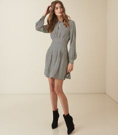 REISS All Womenswear - an unrivalled collection of stylish all our womenswear. Available to buy at REISS, shop the collection online now. Casual Dresses For Women, Sexy Dresses, Summer Dresses, Clothes For Women, Women's Clothes, Outfits Otoño, Trendy Outfits, Trendy Fashion, Fashion Trends