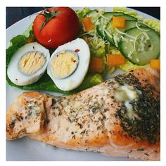 didn't know what I was having for lunch today then had a #bargain from #tesco #salmon   for 96p  topper with #mixedherbs and melted cheese  w/ #lettuce #cucumber  #tomatoes #yellowpeppers  #tomatoes  & x1 #boiledegg       #eatclean #nutrition #omega3 #cleaneating  #fitness #motivation #mfp #fitfamuk #getlean #flexibleeating #iifym #foodoptimising #carbs #eatright #notslimmingworld #protein #gains #notsoslimmingworld #lowcarb #highprotein #salmondinner by tammiesjourney