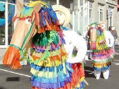 SANTA CRUZ DE LA PALMA CELEBRA LAS FIESTAS DE LA CRUZ 2013.  Las jornadas grandes, el 2 y el 3 de mayo, aniversario de la fundación de la ciudad, giran en torno a los números populares, la danza de Mascarones, seguida de verbenas populares  y al enrame de las cruces y los mayos. Además se sucederán en todo el municipio actos culturales y deportivos.