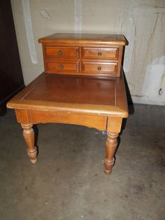 Sac Valley Auctions   Lot 67   Vintage Maple End Table