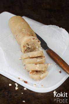 Kokit ja Potit -ruokablogi: Itse tehty mantelimassa