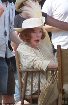 A warm welcome! Shirley MacLaine films picnic scenes with new stars Paul Giamatti and Daisy Lewis for Downton Abbey Christmas special