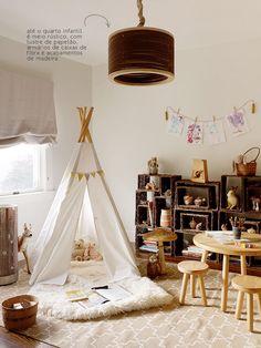 A rustic decor in kids bedroom.