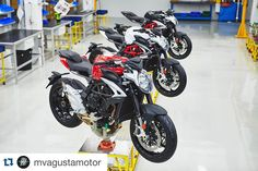 #Repost @mvagustamotor with @repostapp.  -1 week to #TheAllNewBrutaleExperience #staytuned #comingsoon #brutale800 #brutale #theallnewbrutale800 #MVAgusta #MVAgustamotor #mvfactory #preciselycrafted  @rock_and_rollei #mvagustaaustralia #mvagustanewzealand #trepistoni #madeinitaly