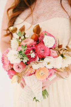 Pink and gold florals| Photo by Sylvia Photography |