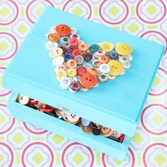 DIY jewelry box with buttons decorating crafts ideas