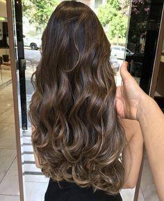 6 Great Balayage Short Hair Looks – Stylish Hairstyles Brown Hair Balayage, Hair Color Balayage, Hair Highlights, Ombre Hair, Wavy Hair, Dyed Hair, Ashy Balayage, Carmel Highlights, Bayalage