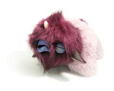 New Monster Art toys by Paul Vincett , via Behance