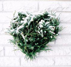 Talvinen pajusydän, lisänä riidenliekoa kuorrutettuna lumella Christmas Wreaths, Holiday Decor, Home Decor, Decoration Home, Room Decor, Home Interior Design, Home Decoration, Interior Design