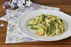 Un primo piatto veramente speciale: le Trofie con asparagi e gamberi, cremose e buonissime