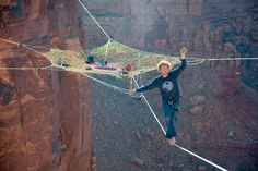 A slackline spacenet in the sky