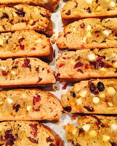 White Chocolate and Cranberry biscotti makes a perfect holiday gift or treat... Thanksgiving and beyond. via The Entertaining House