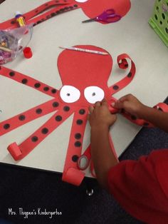 Making an Octopus (Mrs. Thigpen's Kindergarten)