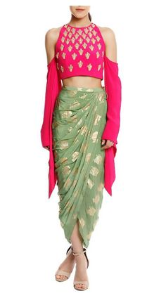 Designer Party Wear Dresses, Indian Designer Outfits, Designer Clothing, Look Fashion, Indian Fashion, Fashion Outfits, Luxury Fashion, Fashion Women, Dress Indian Style