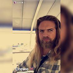 Norwegian Men, I Love Beards, Raining Men, Insta Story, Bearded Men, Cute Guys, Vikings, Curly Hair Styles, Handsome