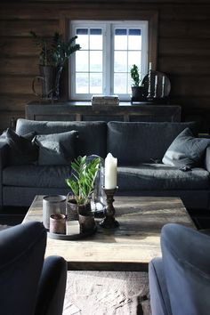Hytteliv / wood mood Modern Log Cabins, Modern Rustic Homes, Contemporary Home Furniture, Living Room Furniture Arrangement, My Ideal Home, Cabins And Cottages, Cozy Cabin, Cottage Interiors, Winter House