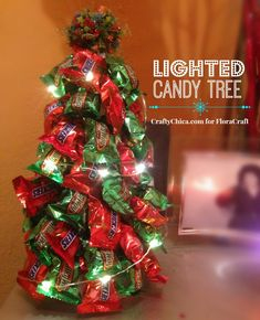 candy-tree-diy -- with lights! Christmas Candy Crafts, Diy Christmas Tree, Xmas Crafts, Homemade Christmas, Christmas Ideas, Christmas Store, Holiday Tree, Christmas Projects, Candy Bouquet Diy