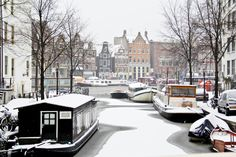 Amsterdam in the winter is on my travel list. Amsterdam Winter, Amsterdam City, Amsterdam Netherlands, Amsterdam Images, Places Around The World, Around The Worlds, Countries Europe, Floating House, Romantic Destinations