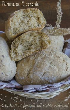 panini ai 5 cereali soffici ricetta panini soffici multicereali per la dieta leggeri ricche di fibre