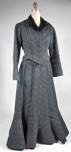 1903 flecked wool walking suit - Courtesy of pastperfectvintage.com