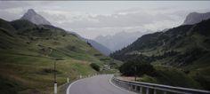 Bergpas ergens in de Alpen