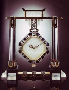 Art Deco temple clock - c. 1926 - Van Cleef & Arpels, Paris, made by Verger Frères - Eighteen-karat gold, rock crystal and enamel -