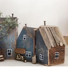 Scrap Wood Crafts, Barn Wood Crafts, Driftwood Crafts, Wooden Crafts, Beach Crafts, Home Crafts, Small Wooden House, Wooden Houses, Bois Diy