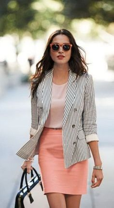Nice 46 Elegant Work Outfits Ideas For Every Woman Wear. More at https://trendfashionist.com/2018/05/10/46-elegant-work-outfits-ideas-for-every-woman-wear/