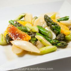 Asparagus salad with oranges