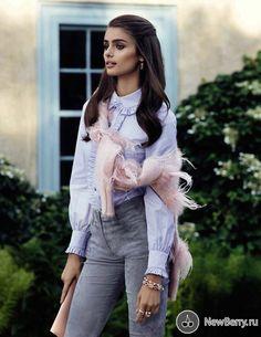 Taylor Hill на страницах Vogue España
