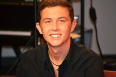 Scotty McCreery is all smiles!