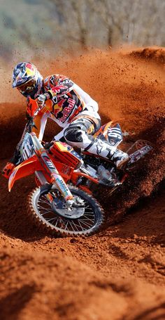 Could find some pics like this to put … Motocross Livelife Cool picture! Could find some pics like this to put in Z's room. Ktm Dirt Bikes, Motorcycle Dirt Bike, Motorcycle Design, Motorcycle Touring, Dirt Biking, Motocross Maschinen, Moto Ktm, Motocross Photography, Enduro Motocross