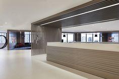 office reception in Brisbane Corporate Interior Design, Interior Design Awards, Lobby Interior, Corporate Interiors, Office Interiors, Interior Design Inspiration, Interior Architecture, Vernacular Architecture, Reception Desk Design