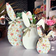 Spring Crafts, Holiday Crafts, Holiday Decor, Easter Crafts, Crafts For Kids, Rabbit Crafts, Diy Easter Decorations, Easter 2020, Wooden Crafts