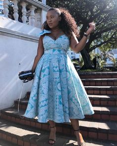 African Dresses For Women, African Attire, African Fashion Dresses, Fashion Outfits, Fashion Women, African Print Fashion, Fashion Prints, African Prints, African Traditional Wear