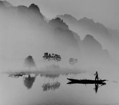 No its not a painting. It's a black and white photo from the Yangtze River. Japanese Ink Painting, Zen Painting, Chinese Landscape Painting, Japanese Artwork, Landscape Drawings, Chinese Painting, Landscape Art, Landscape Paintings, Watercolor Illustration