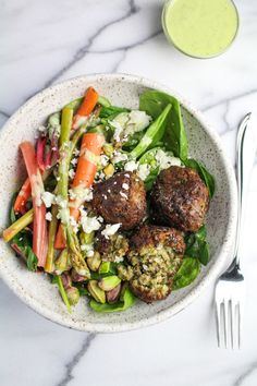 kitchen doors Spring Falafel Salad with fava bean falafel, asparagus and carrot pickles, green herb aioli, pistachios, and feta cheese. The perfect fuel for spring runs. Falafel Salad, Whole Food Recipes, Healthy Recipes, Veg Recipes, Asparagus Salad, Cookery Books, Slow Food, Fruit And Veg, Eating Habits