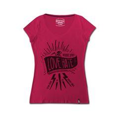 T shirt Biker Emblema della lady biker, la tshirt si presta per qualsiasi look, sportivo e elegante. La stampa vintage inoltre imprime carattere e stile unico.