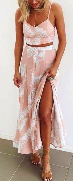 #muraboutique #label #outfitideas | Crop + Maxi Skirt Palm Print Set