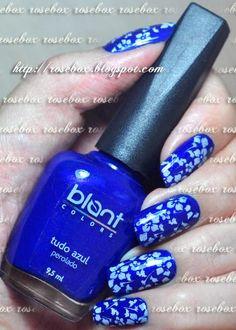 esmalte Blant tudo azul + carimbo