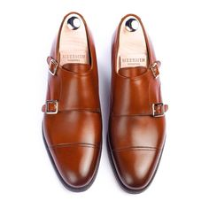 The Copper Antique calf double monk is now back! One of the most popular styles made to date is back & in stock! A perfect choice for the summer season. Check all the details through link in bio #meermin #meerminmallorca #goodyearwelted #frenchcalf #handmade #menswear #goodyearwelt #doublemonk #doublemonks #classicshoes #mallorca #mensshoes #doublemonkstrap
