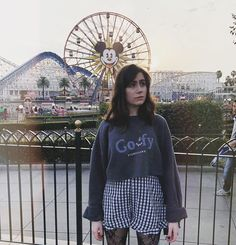 Dodie Clark, North London, I Love Music, Cool Bands, Role Models, Pretty People, Spring Outfits, Disneyland, Fashion Beauty