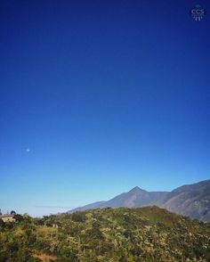 Te presentamos la selección del día: <<AVILA>> en Caracas Entre Calles. ============================  F E L I C I D A D E S  >> @cjmarrufo << Visita su galeria ============================ SELECCIÓN @mahenriquezm TAG #CCS_EntreCalles ================ Team: @ginamoca @huguito @luisrhostos @mahenriquezm @teresitacc @marianaj19 @floriannabd ================ #avila #elavila #Caracas #Venezuela #Increibleccs #Instavenezuela #Gf_Venezuela #GaleriaVzla #Ig_GranCaracas #Ig_Venezuela #IgersMiranda…