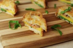 Peach and Sausage Mini Grilled Cheeses Mini Grilled Cheeses, Grilled Cheese Recipes, Spanakopita, Bite Size, Appetizers For Party, Catering, Sausage, Low Carb, Peach
