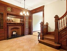 Dean Street Brooklyn brownstone interior foyer bannister m… Victorian Style Decor, Victorian Rooms, Victorian Townhouse, Victorian Interiors, Victorian Gothic, Victorian Design, Victorian Architecture, Brownstone Interiors, Brownstone Homes