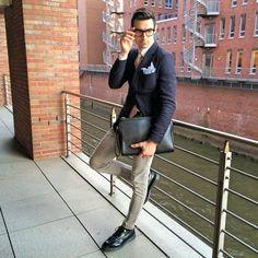Así lucen traje los bloggers más jóvenes
